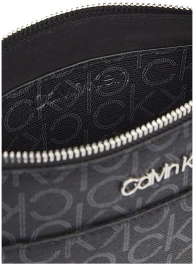 Calvin Klein Calvin Klein Kadın Siyah Omuz Çantası Siyah